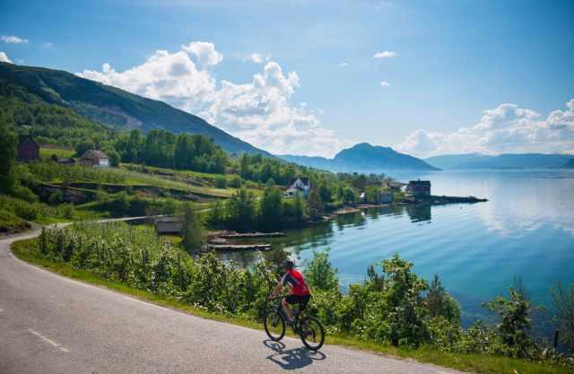 hardanger-sverre-hjornevik-fjordnorway